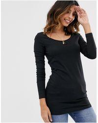 Vero Moda – Langärmliges T-Shirt mit U-Ausschnitt - Schwarz