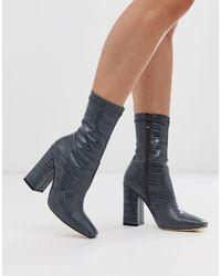 SIMMI Shoes Simmi London - Joyce - Stivali a calza effettto coccodrillo grigi con punta quadrata - Grigio