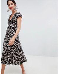 Stradivarius - Tiger Print V Front Dress - Lyst