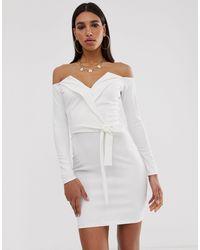 Missguided Vestitino bianco con scollo alla Bardot e risvolto