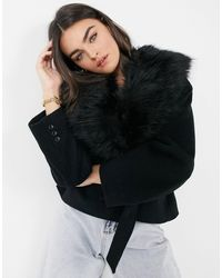 & Other Stories Manteau en laine mélangée avec ceinture et bords en fausse fourrure - Noir