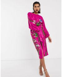 ASOS Robe mi-longue en satin à ceinture avec broderie florale - Rose