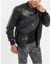 Versace Jeans Couture Черная Сумка-кошелек На Пояс С Фиолетовым Принтом Логотипа -черный Цвет