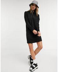 ONLY – Langärmliges Pulloverkleid mit Rollkragen - Schwarz