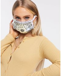 Sixth June – Gesichtsmaske mit Bandana-Print - Lila
