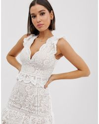 Love Triangle Crop Top With Peplem In Scalloped Lace In White