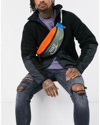 Nike – Gürteltasche mit Heritage-Patchworkdesign - Mehrfarbig