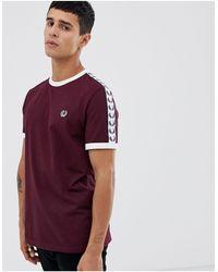 Fred Perry Sports Authentic - T-shirt bordeaux con bordi nastrati - Rosso