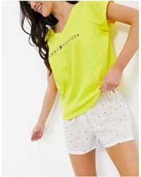 Tommy Hilfiger Пижамный Комплект Из Органического Хлопка Неонового Желтого Цвета С Футболкой И Шортами С Логотипом -желтый