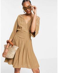 Y.A.S Vestito corto avvolgente con maniche a kimono, colore marrone