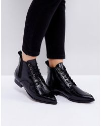 INTENTIONALLY ______ Brad Black Lace Up Ankle Boots