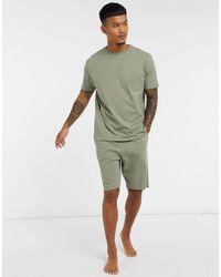 ASOS Ensemble pyjama confort avec t-shirt et short - Kaki - Vert
