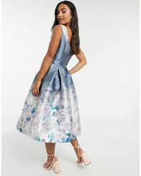 Chi Chi London Robe mi-longue - Imprimé fleurs bleues