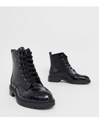New Look Lace Up Flat Hiker Boot In Black
