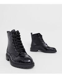 New Look Platte Wandellaarzen Met Veters En Brede Pasvorm In Zwart