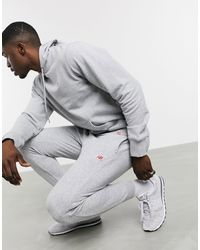 New Balance Серые Джоггеры С Маленьким Логотипом -серый