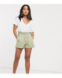 ASOS ASOS DESIGN Petite - Short casual avec taille haute froncée - Vert