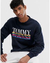 Tommy Hilfiger Retro Top Met Lange Mouwen En Regenboogkleurig Logo In Marineblauw