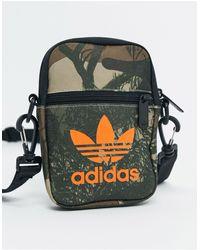 adidas Originals Сумка Для Полетов С Камуфляжным Принтом -зеленый