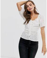 ASOS – Kurzärmlige Bluse mit Lochstickerei - Weiß