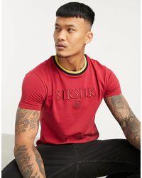 SIKSILK Camiseta deportiva roja ajustada con bajo recto y cuello en contraste - Rojo