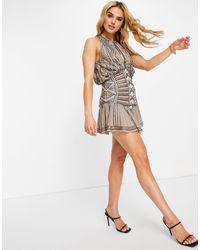 ASOS Vestito corto accollato decorato con fondo asimmetrico - Marrone