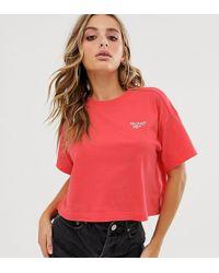 Reebok Cropped Rood T-shirt, Exclusief Bij Asos - Zwart