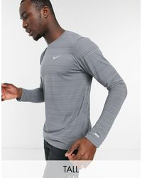 Nike Серый Лонгслив Nike Tall Running Essentials