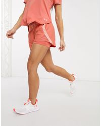 Under Armour Training - Play Up - Pantaloncini a strati rosa