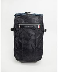 Tommy Hilfiger – Elevated – er Nylon-Backpack mit Military-Muster und Kordelzug - Schwarz