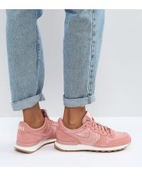 Nike - Internationlist Suede Trainers In Dusky Rose With Gum Sole - Lyst