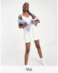Missguided Vestido skater blanco con detalle tipo corsé y bordado floral