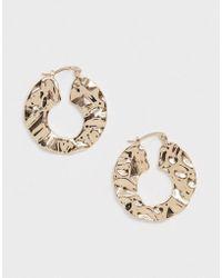 ASOS - Hoop Earrings In Abstract Hammered Metal Design In Gold - Lyst