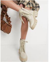 SIMMI Shoes Светло-бежевые Ботинки На Массивной Подошве Со Шнуровкой И Пряжками Simmi London-белый - Естественный