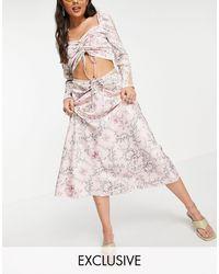 Reclaimed (vintage) Falda midi rosa con estampado floral, detalle fruncido e insertos