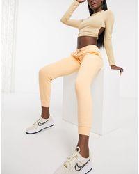 Nike Оранжевые Джоггеры Узкого Кроя Essentials-оранжевый