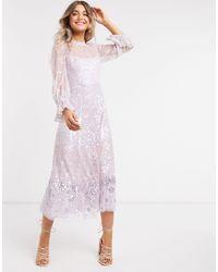 Needle & Thread Vestito decorato lilla con gonna al polpaccio e maniche scampanate - Viola