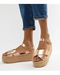 Truffle Collection - Flatform Sandals - Lyst