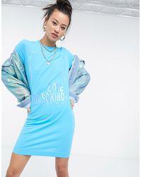 Love Moschino - Голубое Платье-футболка С Логотипом С Эффектом Металлик -голубой - Lyst