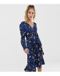 7a75ab29972b Boohoo - Exclusive Wrap Midi Dress In Blue Leopard Print - Lyst