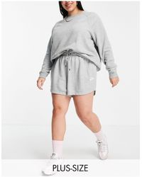 Nike Plus Size Essential Fleece Shorts - Grey