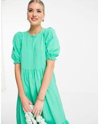 New Look Vestito midi a balze testurizzato, colore verde chiaro
