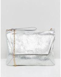 Oasis - Clutch Bag In Metallic Silver - Lyst