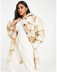 I Saw It First Giacca camicia taglio lungo color crema a quadri - Bianco