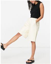 Pieces Martha - pantaloncini taglio lungo a vita alta cloud dancer - Bianco