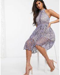 Love Triangle Серое Платье Миди С Высоким Воротом И Кружевной Отделкой -серый