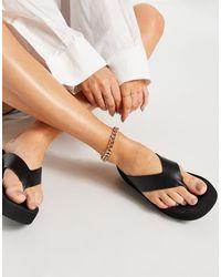 Truffle Collection Flatform Toe Thong Sandals - Black