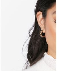 Monki Blair Chunky Wave Hoop Earrings - Metallic