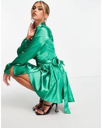 TFNC London Vestido midi cruzado - Verde
