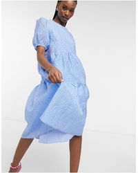 Y.A.S Embossed Midi Dress With Tiered Skirt And Puffed Sleeves - Blue